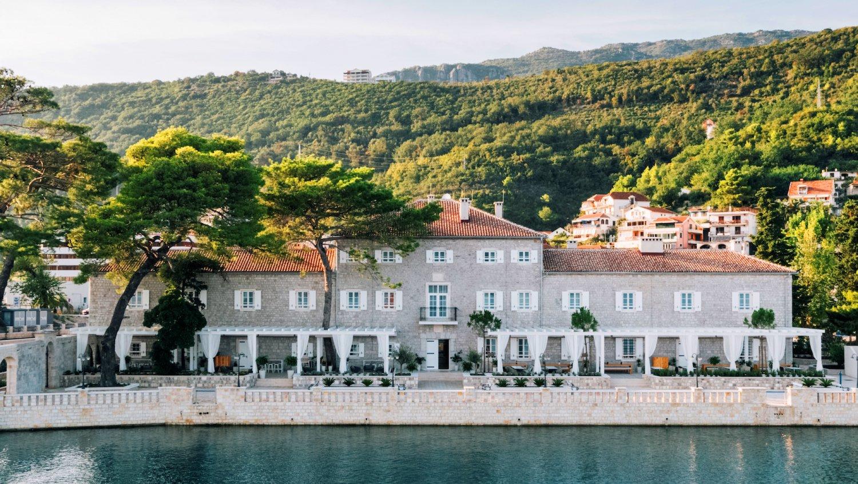 מלון לזור - Lazure Hotel & Marina